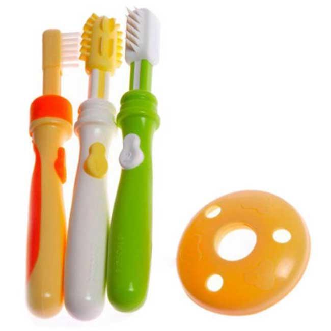 Sikat gigi bayi dibuat warna warni dan lucu bentuknya